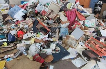 大量ゴミ、引っ越し、かたづけ、廃棄処理、処分作業。