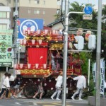 夏本番、各地でお祭りの催し。
